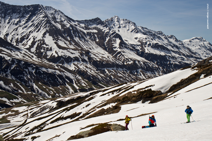 Panoramic-with-skiers_blog